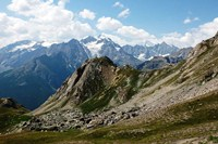 independent walking french alps